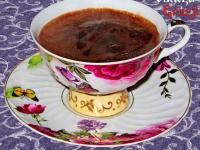 Filiżanka z kawą po batumsku z czosnkiem
