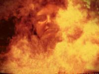 Zielarka w dymie palonych ziół [Artur i Adam Bińkowscy]