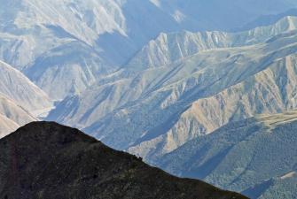 Zapierający dech w piersiach widok gruzińskich gór [fot. Darek Piwowarski]