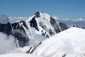 Widok ze szczytu wulkanu Kazbek [fot. Kamil Krechlik] -33