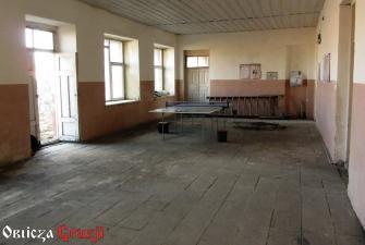 Hol ze stołem do ping-ponga w szkole gruzińskiej, wioska Sameba