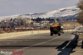 Ciężarówka z mandarynkami w drodze do Tbilisi