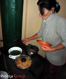 Nazi podczas gotowania