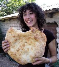 Portet dziewczyny z chlebem