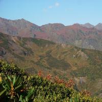 Widok z przełęczy na góry Kaukazu