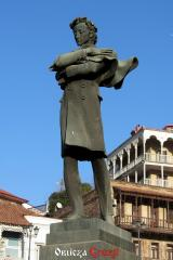 Pomnik Nikoloza Baratashvili w Tbilisi