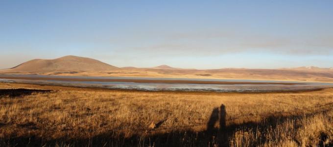 Panorama jeziora Madatapa od strony drogi, Dżawachetia