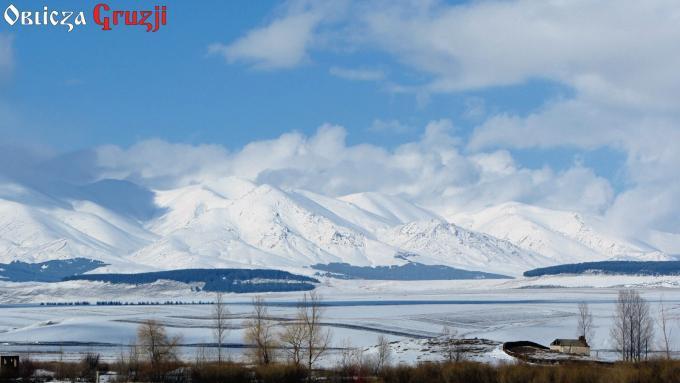 Widok na ośnieżone góry, Edikilisa