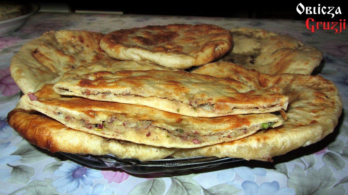 Chaczapuri Czyli Serowy Chleb Przepisy Kuchni Gruzinskiej