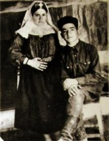 Enver Iskenderov z żoną Asly. Uzbekistan, 1949 - fotografia archiwalna